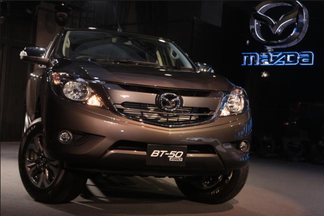 Ban tai Mazda BT-50 phien ban nang cap co gia gan 760 trieu hinh anh