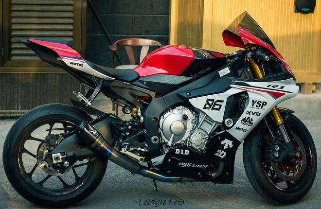 Yamaha R1 do tem va do choi cua biker Sai thanh hinh anh 2