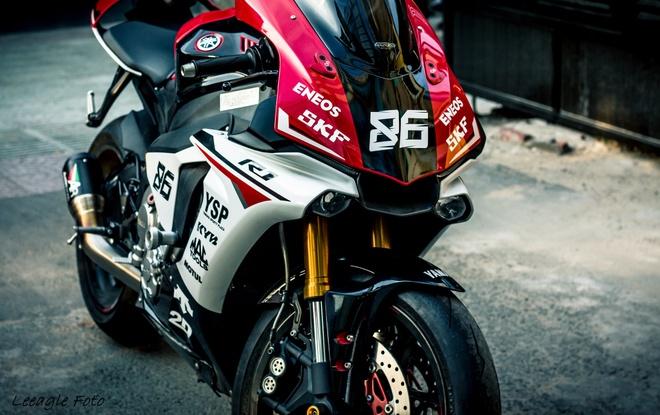 Yamaha R1 do tem va do choi cua biker Sai thanh hinh anh 3