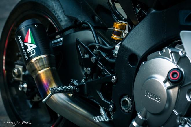 Yamaha R1 do tem va do choi cua biker Sai thanh hinh anh 4