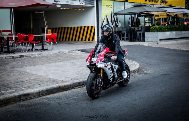 Yamaha R1 do tem va do choi cua biker Sai thanh hinh anh 6