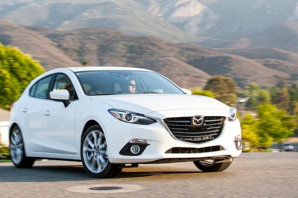 Thang 1, Mazda3 lai gay sot voi gan 900 xe hinh anh 1