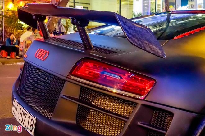 Sieu xe Audi R8 do do choi hang hieu tren pho Sai Gon hinh anh 6