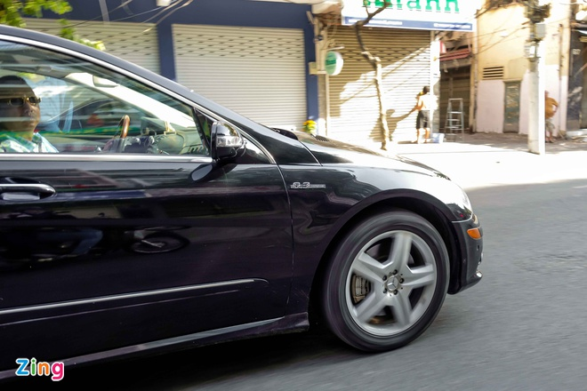 Mercedes R63 AMG hang hiem xuat hien o Sai Gon hinh anh 3