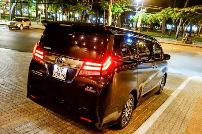 Toyota Alphard bien dep gia 3,7 ty dong o Sai Gon hinh anh 6
