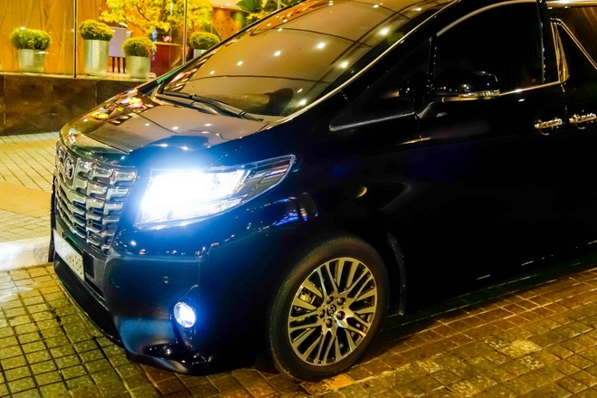 Toyota Alphard bien dep gia 3,7 ty dong o Sai Gon hinh anh 5