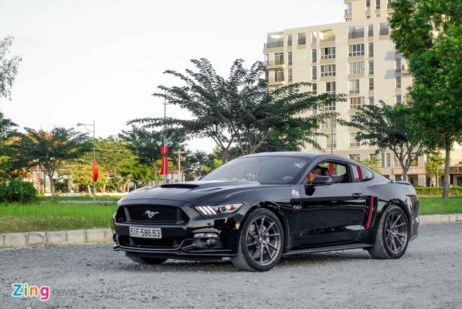 Ford Mustang GT do goi phu kien hang hieu o Sai Gon hinh anh 1