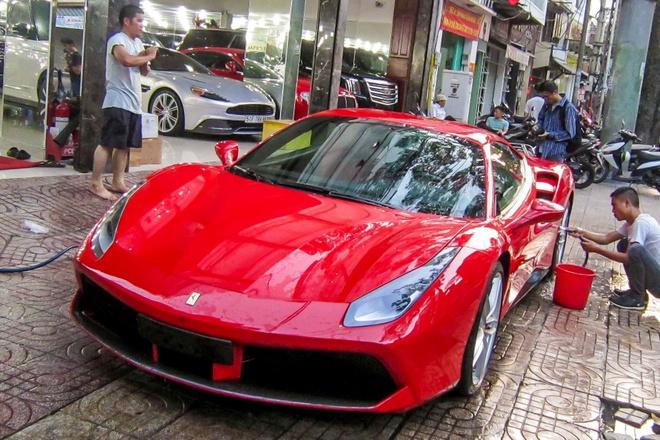 3 sieu xe Ferrari 488 GTB dau tien ve TP HCM hinh anh