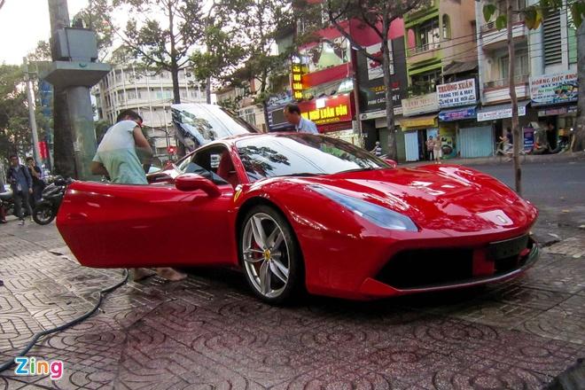 3 sieu xe Ferrari 488 GTB dau tien ve TP HCM hinh anh 3