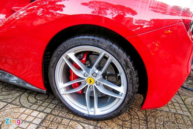3 sieu xe Ferrari 488 GTB dau tien ve TP HCM hinh anh 8