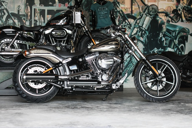 Harley-Davidson Breakout son thu cong gia 1,3 ty ve Viet Nam hinh anh