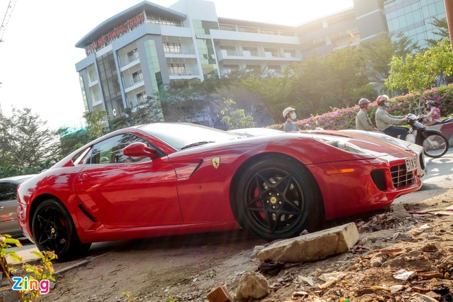 Sieu xe Ferrari 599 doc nhat Viet Nam cua dai gia ca phe hinh anh 4