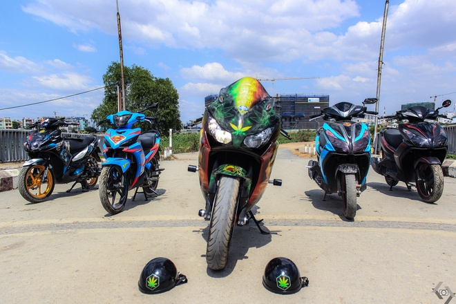 Honda CBR 1000RR phong cach Rock and Roll cua biker Sai Gon hinh anh 1