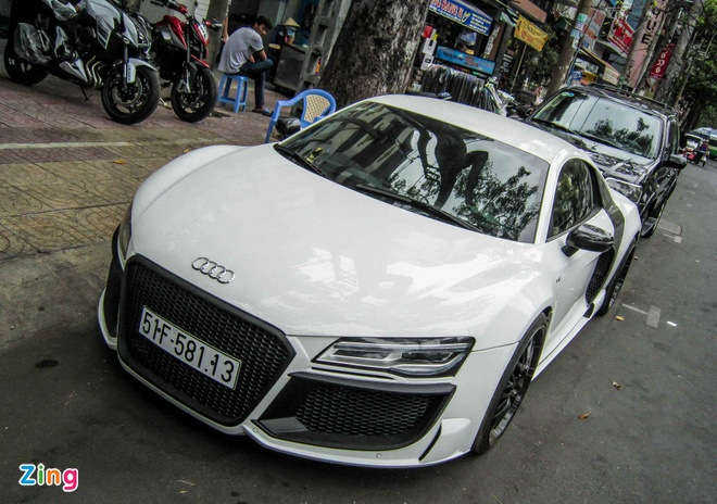 Audi R8 V10 tai Sai Gon do goi than vo den tu Duc hinh anh 1