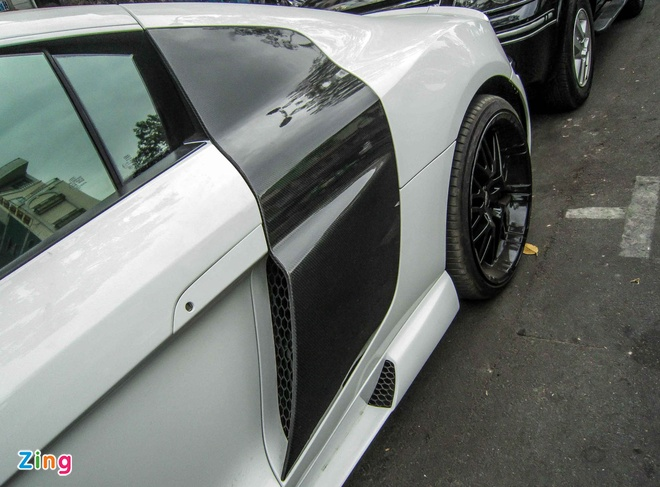 Audi R8 V10 tai Sai Gon do goi than vo den tu Duc hinh anh 11