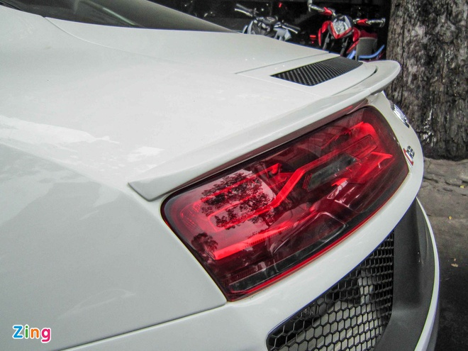Audi R8 V10 tai Sai Gon do goi than vo den tu Duc hinh anh 12