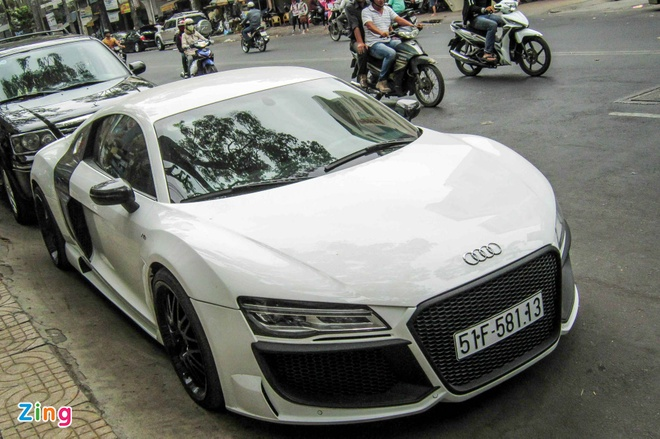 Audi R8 V10 tai Sai Gon do goi than vo den tu Duc hinh anh 3