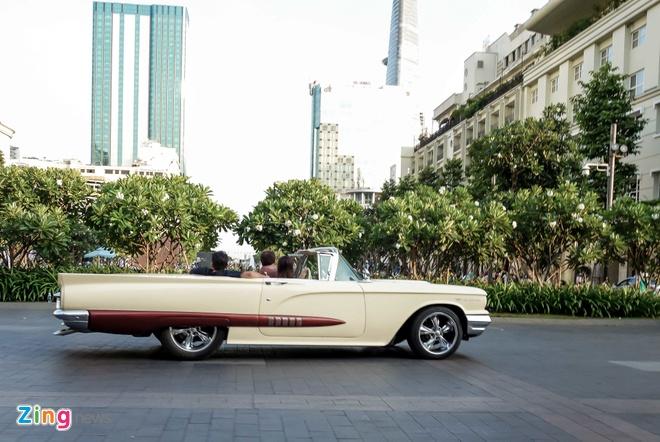 Ford Thunderbird hon 50 tuoi tai Sai Gon hinh anh 2