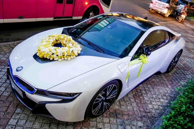 BMW i8 dung lam xe hoa o Sai Gon hinh anh