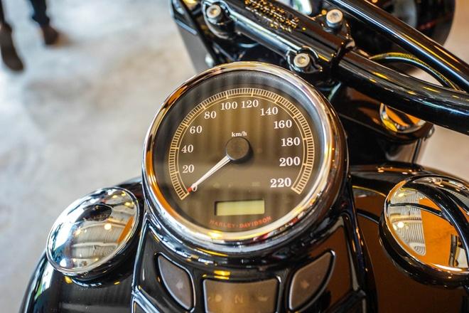 Moto Harley phong cach bobber gia gan 1 ty dong tai Viet Nam hinh anh 10