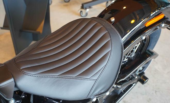 Moto Harley phong cach bobber gia gan 1 ty dong tai Viet Nam hinh anh 11