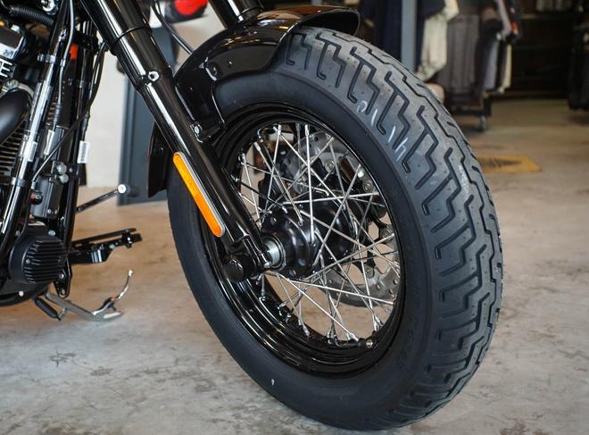 Moto Harley phong cach bobber gia gan 1 ty dong tai Viet Nam hinh anh 7