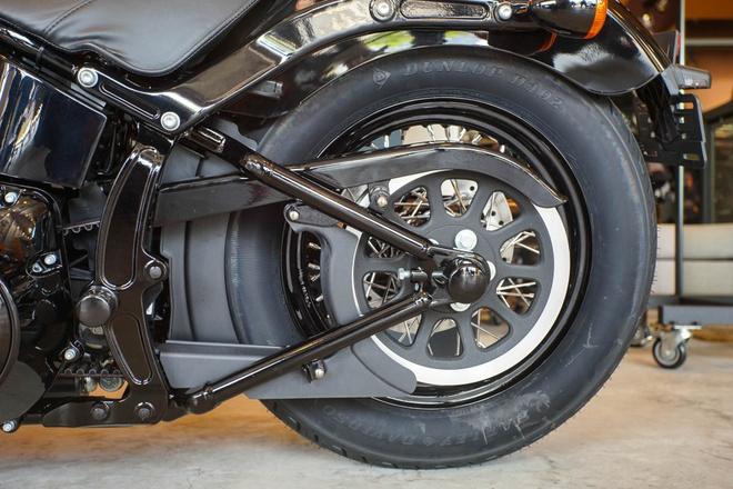 Moto Harley phong cach bobber gia gan 1 ty dong tai Viet Nam hinh anh 9