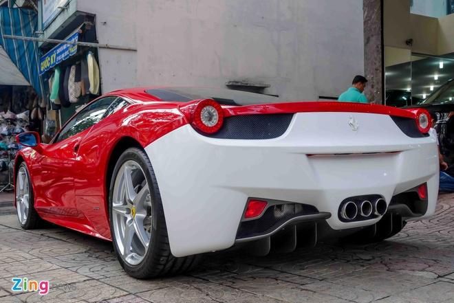 Ferrari 458 Italia doi mau sau khi doi chu hinh anh 2