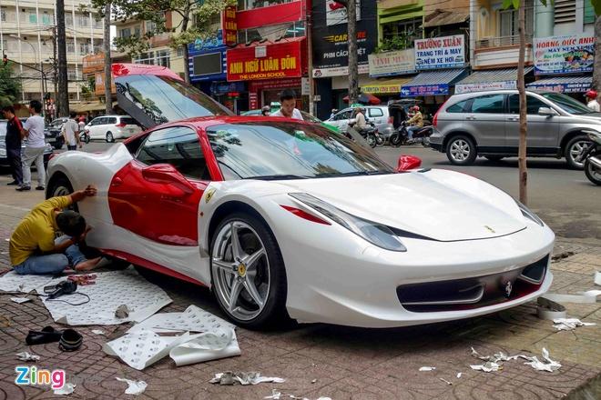 Ferrari 458 Italia doi mau sau khi doi chu hinh anh 3