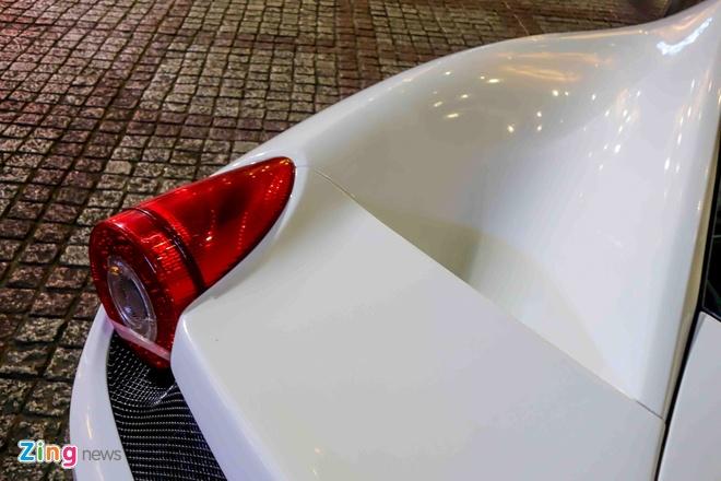 Ferrari 458 Italia doi mau sau khi doi chu hinh anh 8