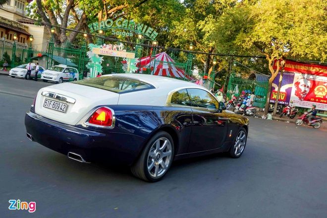 Rolls-Royce Wraith chinh hang dau tien ra bien so TP HCM hinh anh 2