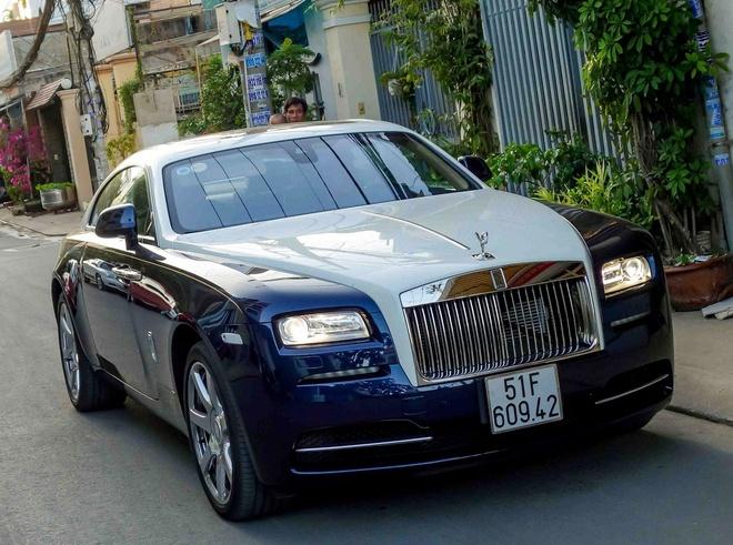 Rolls-Royce Wraith chinh hang dau tien ra bien so TP HCM hinh anh