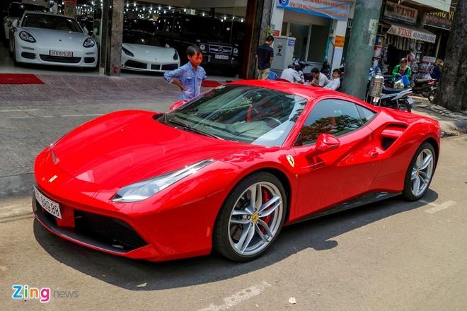 Sieu xe Ferrari 488 GTB dau tien ra bien so TP HCM hinh anh 11
