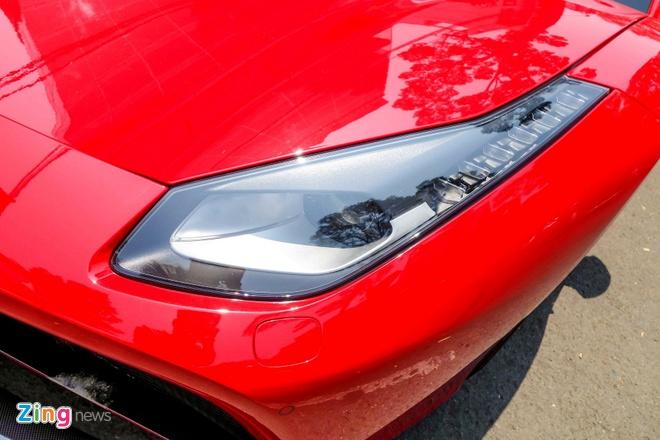 Sieu xe Ferrari 488 GTB dau tien ra bien so TP HCM hinh anh 7