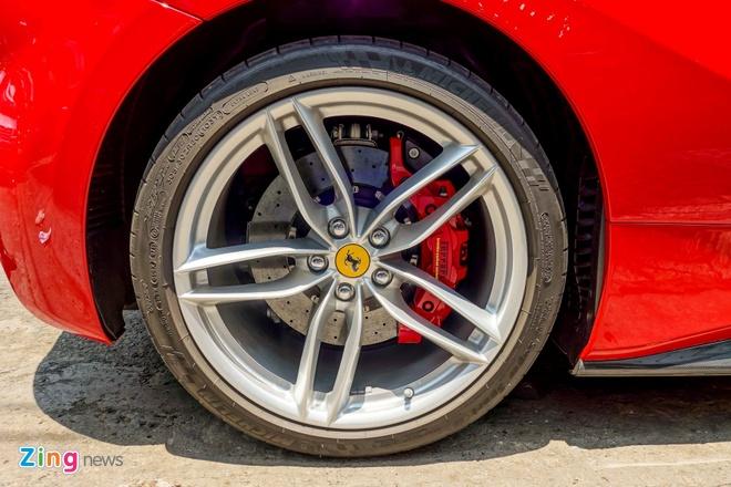 Sieu xe Ferrari 488 GTB dau tien ra bien so TP HCM hinh anh 8