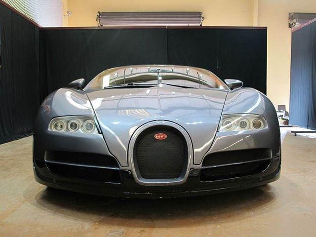 Bugatti Veyron nhai gia 82.000 USD hinh anh 1