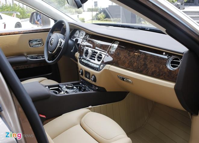 Rolls-Royce Ghost Series II dau tien ra bien so o Sai Gon hinh anh 8