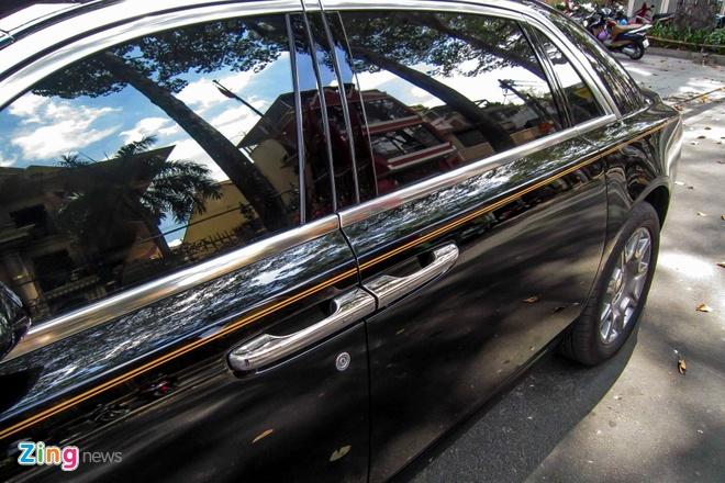 Rolls-Royce Ghost Series II dau tien ra bien so o Sai Gon hinh anh 7