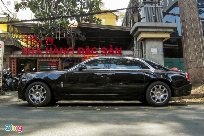 Rolls-Royce Ghost Series II dau tien ra bien so o Sai Gon hinh anh 4