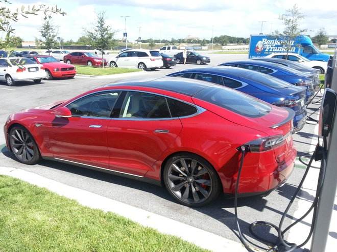 Vi sao Tesla duoc menh danh la Apple cua cong nghiep oto? hinh anh 2