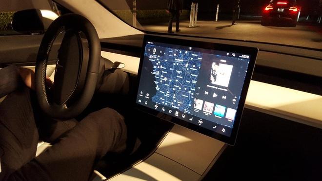 Giai ma su thanh cong cua xe dien Tesla Model 3 hinh anh 3
