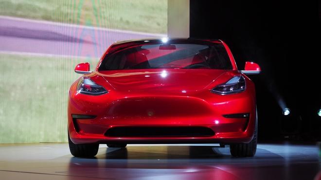 Giai ma su thanh cong cua xe dien Tesla Model 3 hinh anh 2