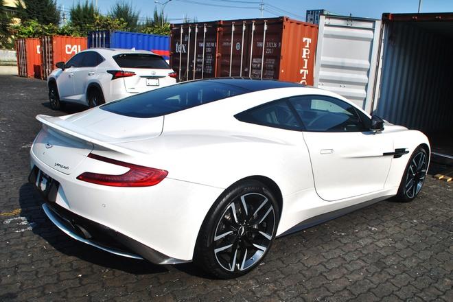 Chi tiet Aston Martin Vanquish ban carbon tai Viet Nam hinh anh