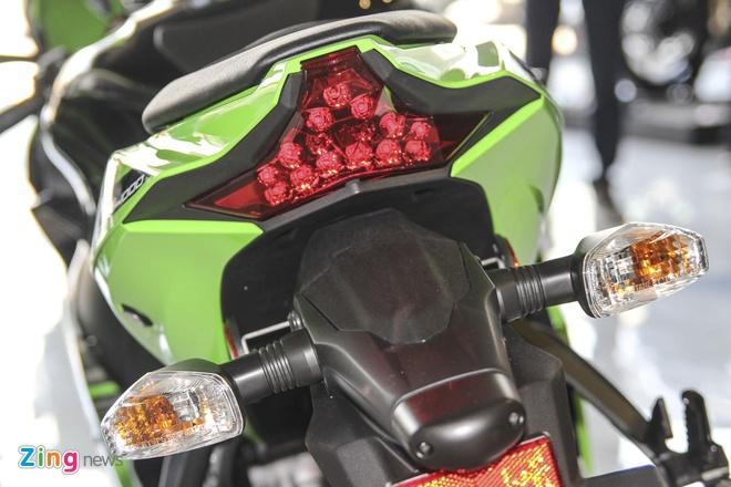 So sanh sieu moto Kawasaki ZX-10R ban cu va moi hinh anh 19