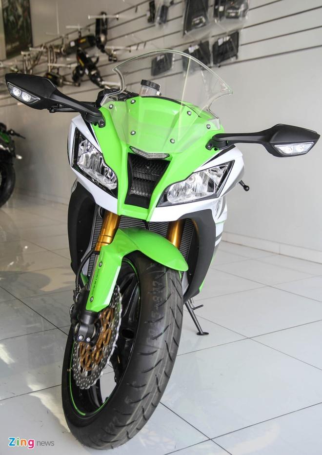 So sanh sieu moto Kawasaki ZX-10R ban cu va moi hinh anh 4