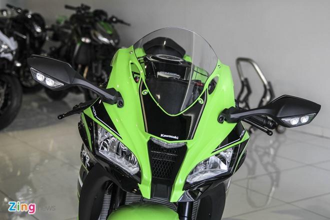 So sanh sieu moto Kawasaki ZX-10R ban cu va moi hinh anh 5