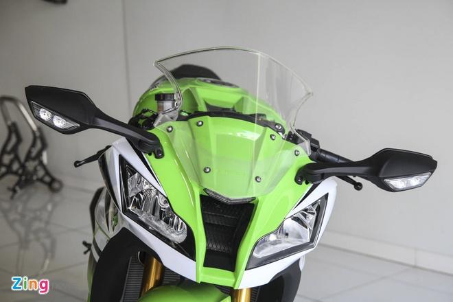 So sanh sieu moto Kawasaki ZX-10R ban cu va moi hinh anh 6