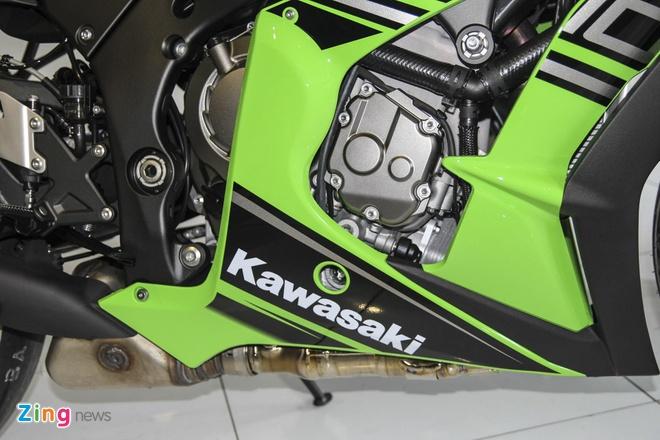 So sanh sieu moto Kawasaki ZX-10R ban cu va moi hinh anh 7