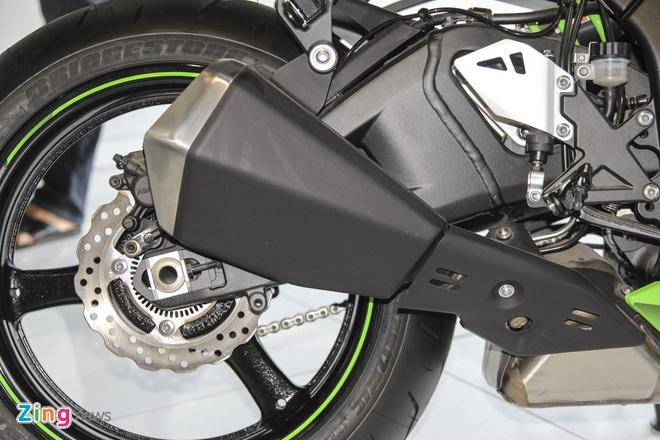 So sanh sieu moto Kawasaki ZX-10R ban cu va moi hinh anh 10
