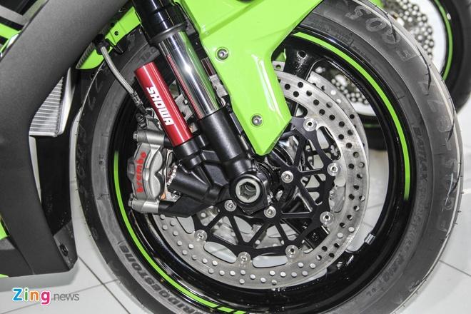 So sanh sieu moto Kawasaki ZX-10R ban cu va moi hinh anh 13